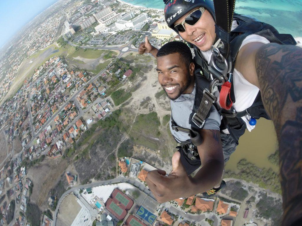 Skydiving in Aruba